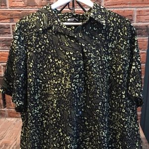 Maggie Barnes beautiful Blouse! 2XL